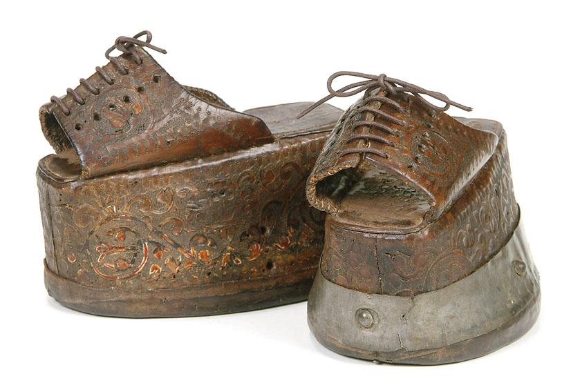 こっちはスペインのチョピン / Bada Shoe Museum (Toronto)