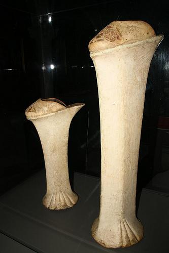 確認した限りでは一番でかいやつ。/ Bata Shoe Museum (Toronto)