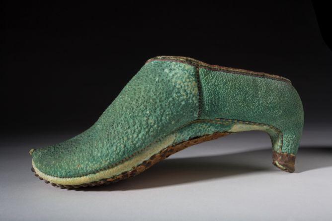 17世紀のペルシャの乗馬靴 / Bata Shoe Museum (Toronto)