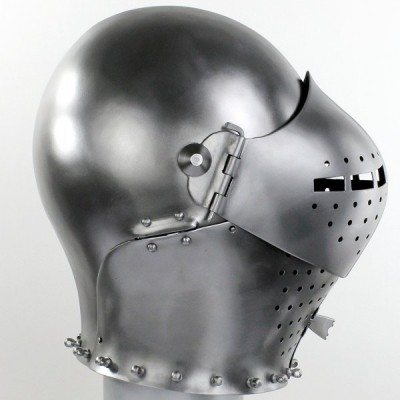 from http://www.outfit4events.com/usd/product/8558-early-armet-c1410/